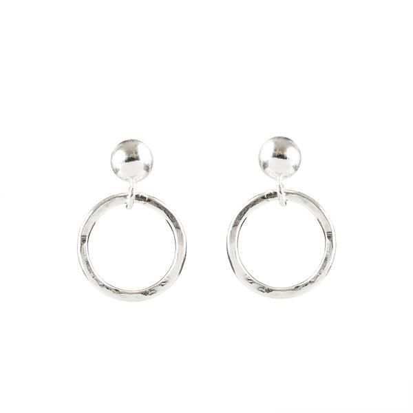 Sterling Silver Circle Earrings | Shop: http://ohmyclumsyheart.com
