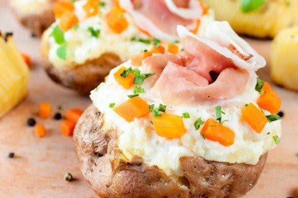 Plnené zemiaky so šunkou a syrom