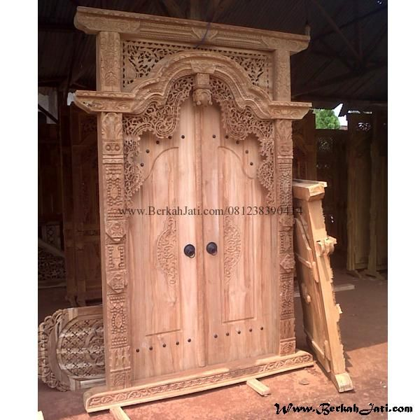 Pintu Rumah Ukiran Jepara Kayu Jati merupakan Mebel Jepara furniture Kusen Pintu Rumah Model Gebyok Mewah Ukiran Khas Jepara Ukiran Majapahit Kayu Jati
