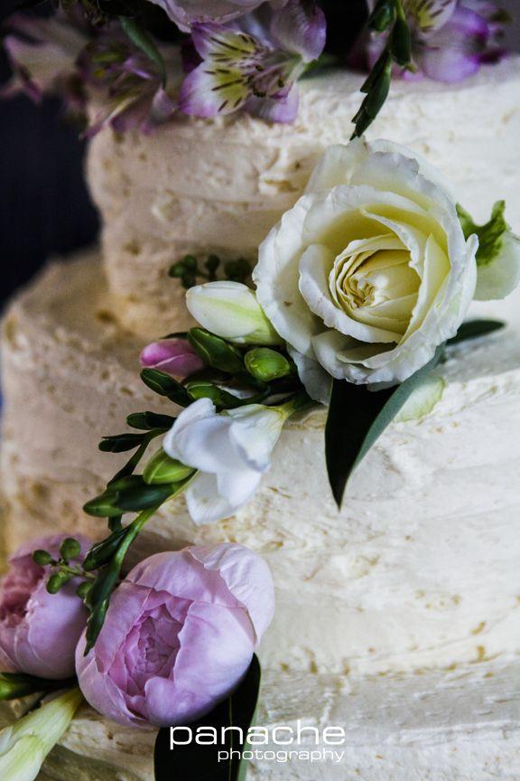 Classic White Wedding cake - roses - flowers - Rustic - Beautiful - Wedding - Weddings - Panache Photography - Adelaide - Inspiration - Epic - Amazing - Adelaide Wedding Photography - Wedding Photography Adelaide - Adelaide Wedding Photographers - Panache Photography #weddinginspiration #adelaideweddingphotographers #weddingphotographyadelaide #weddingphotography #panachephotography #cake