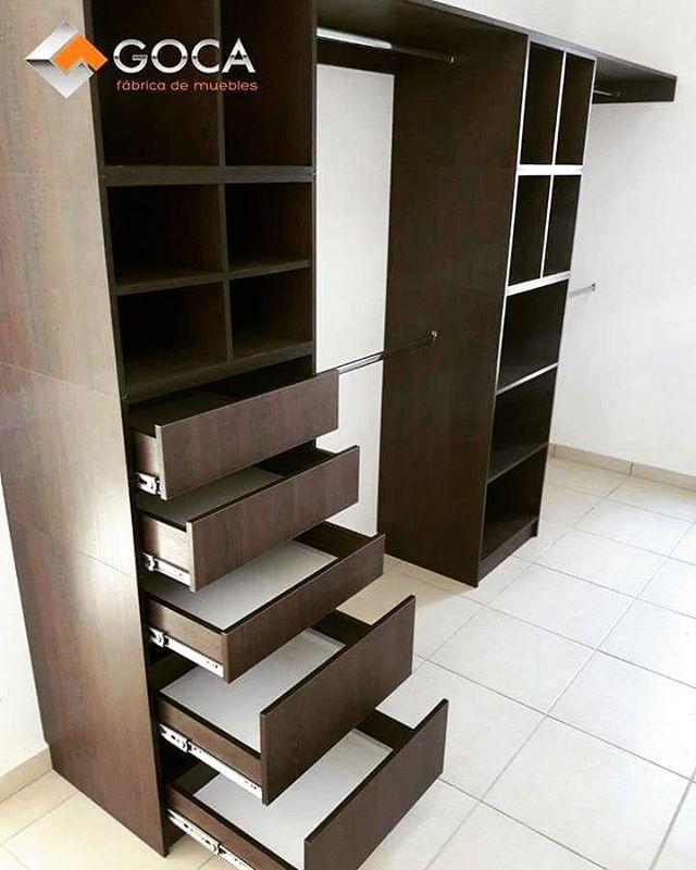 """Vestidor creado con nuestra nueva linea de """"modulos para closet""""."""