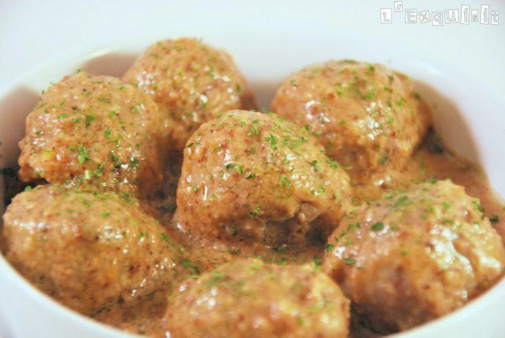 Albóndigas con salsa de almendras   L'Exquisit