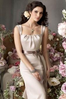 Suchen Sie das passende Brautjungfernkleid für Ihre Brautjungfern? In unserem Onlineshop können Sie Brautjungfernkleider günstig kaufen. Bestellen Sie sofort die günstige Brautjungfernkleider online.