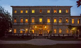 italy Sleeps: 26 ( 14bedrooms) € 3400.00 to 4000