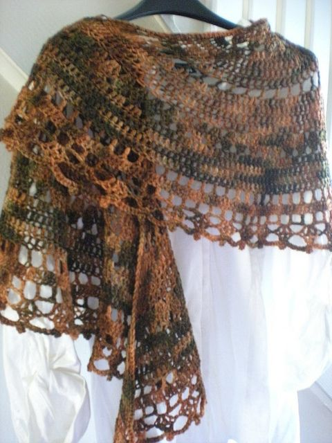 shawl free pattern (in round) ✭Teresa Restegui http://www.pinterest.com/teretegui/ ✭