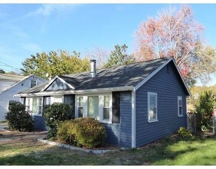 Check out this home at Realtor.com $379,000 2beds · 1baths 27 Tobin Rd, Boston http://www.realtor.com/realestateandhomes-detail/27-Tobin-Rd_Boston_MA_02132_M49890-00993
