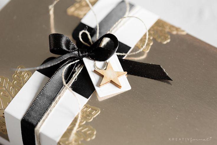 Eine elegante Weihnachtsverpackung, welche mit der Metallic-Folie in Champagner und Gold von Stampin' Up!