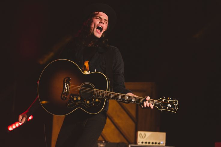 JAMES BAY + CLOVES @ THE HOLLYWOOD PALLADIUM     Photos by Debi Del Grande With his trademark hat, vocal chops, guitar and touring band, James Bay made many ...