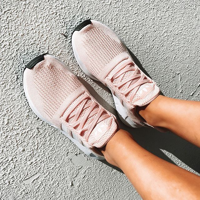 Adidas Swift Run W Icey Pink F17 150 In 2020 Stunning Shoes Latest Shoe Trends Pink