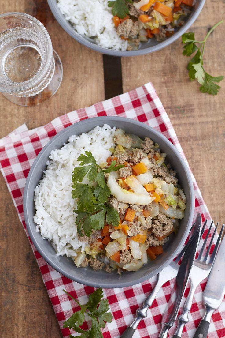 Eine leckere Chinakohl Pfanne mit Reis wärmt im Herbst