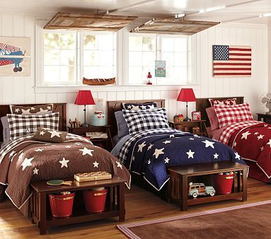 Love these quilts for the boys' big boy room.  Red for Eli, blue for Isaac.  :)