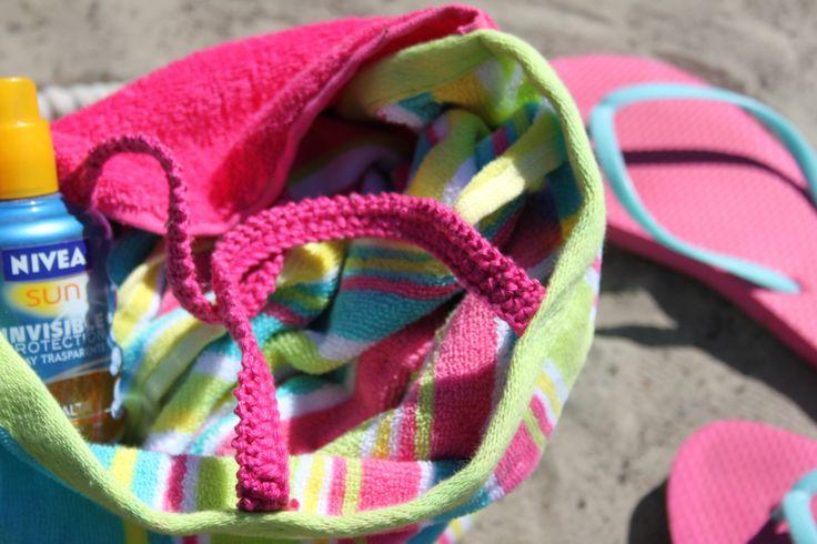 Vrolijke strandtas in het nieuwe magazine: Inhaken op vakantie