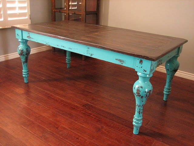 Beautiful turquoise table - trying to decide if I have the guts to paint my old farmhouse table like this. I'd better sleep on it.