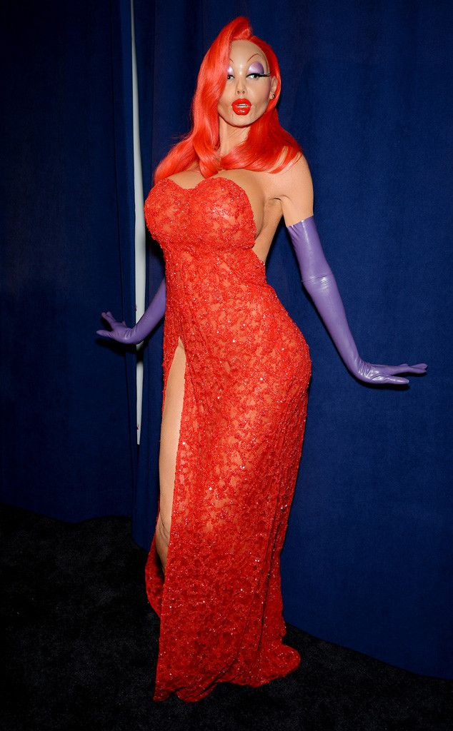 Heidi Klum's Boobs Are Out of Control as She Transforms Into Sexy Jessica Rabbit at Halloween Party | E! Online Mobile