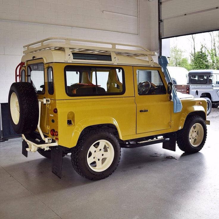 Land Rover Retro Edition In Yellow. App For Land Rover
