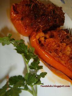 Πιπεριές-σκαφάκια γεμιστές με τραχανά και κοτόπουλο