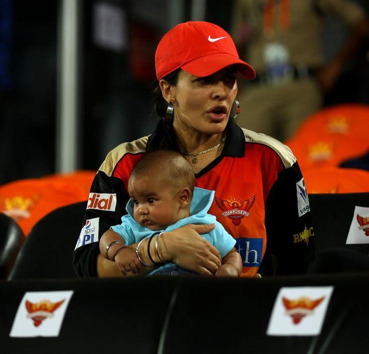 "Facebook Love Story Of ""Shikhar Dhawan & Ayesha Mukherjee"" | Cricketer Married Kick Boxer"