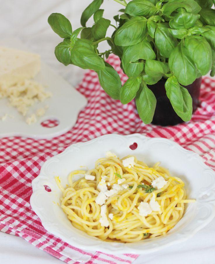 Ich heiße euch herzlich Willkommen zum Tasty Tuesday! Heute gibt es wieder was herzhaftes. Ich habe irgendwie in letzter Zeit die Pasta wieder für mich entdeckt. Vielleicht, weil viele Pastarezepte nicht so schwer sind und sehr gut zu lauen Sommerabenden...