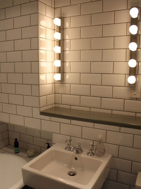Metro tiles bathrooms ideas with marc coan designs pinterest fliesen badezimmer und u - Metro fliesen ...