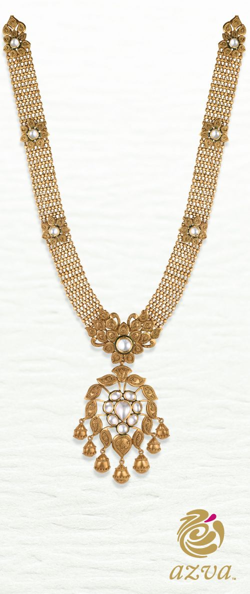 Versatile long haar with kundan floral centre and gold petals. Azva bridal jewellery #Goldjewellery #luxurygoods, #fashion #style #necklaces
