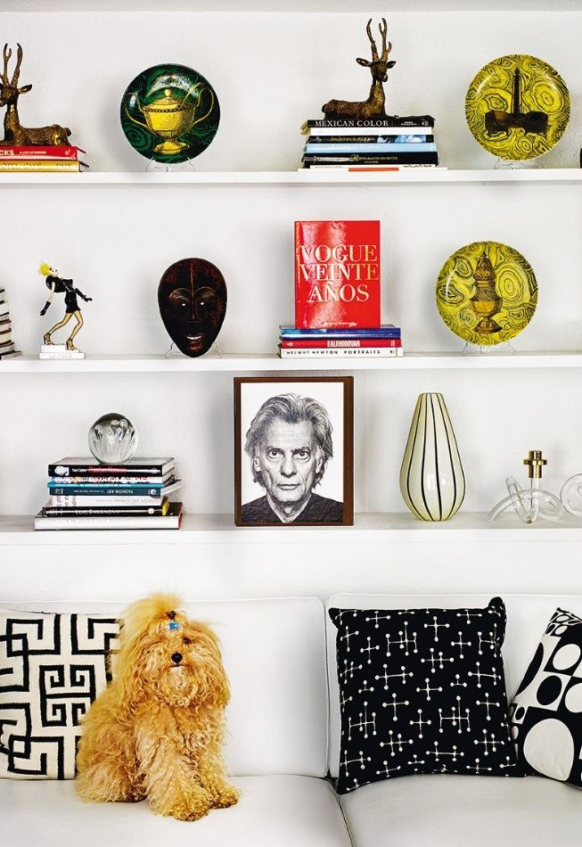 Revista AD http://www.revistaad.es/  Foto Pablo Zamora http://pablozamora.es/   cojines, sofás, perros, adornos, decoración