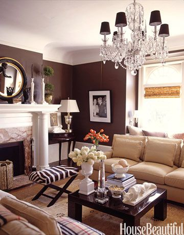 The chocolate wall adds so much warmth to this room.  I love small, cozy livingrooms.: Wall Colors, Decor Ideas, Living Rooms, Paintings Colors, Colors Schemes, Chocolates Brown, Brown Wall, Dark Wall, Chocolates Wall