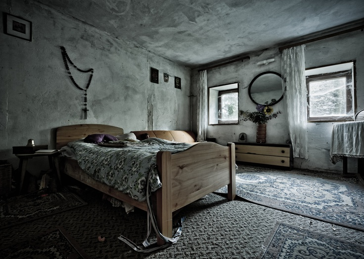 Abandoned bedroom in the  House of the Faithful   somewhere in Austria     abandoned   creepy   Pinterest   Abandoned  Austria and Abandoned places. Abandoned bedroom in the  House of the Faithful   somewhere in