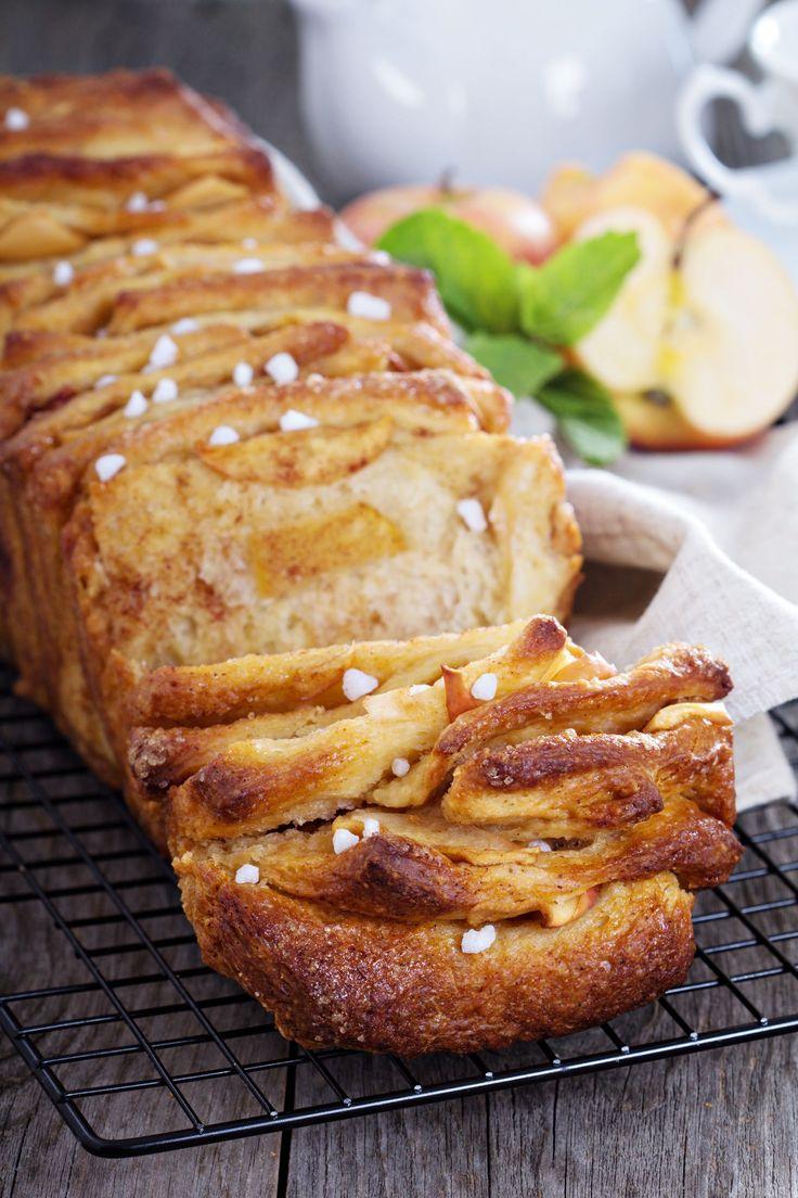 Sweet Breakfast Recipe: Cinnamon Apple Strudel Pull-Apart Bread