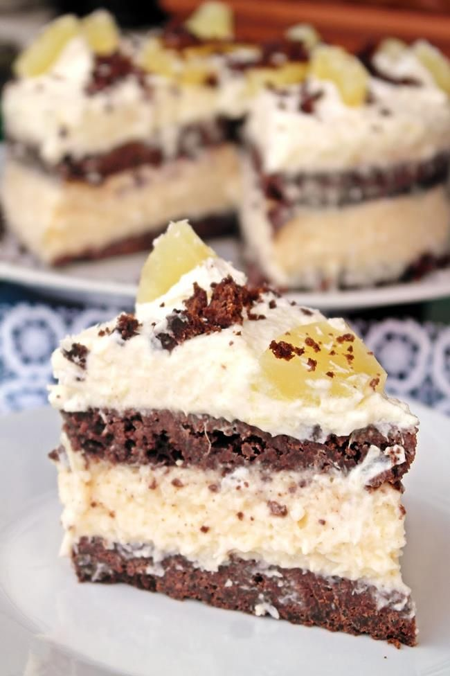 Ananászhabos, kókuszkrémes torta brownie jellegű tortalappal   Életszépítők