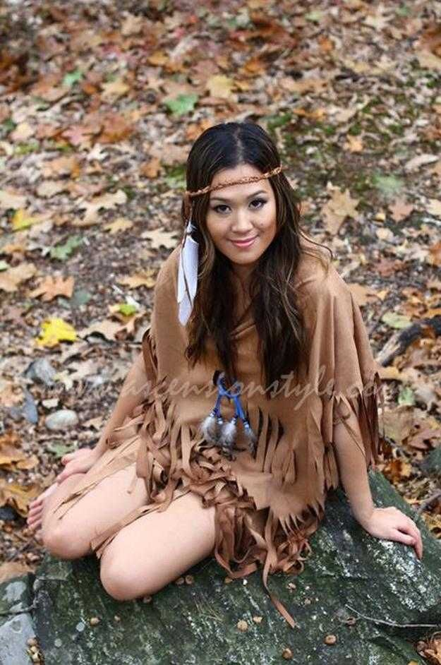 Adult Pocahontas Costume Idea | Easy And Sexy Costume For Girls by DIY Ready at http://diyready.com/diy-pocahontas-costume-ideas/