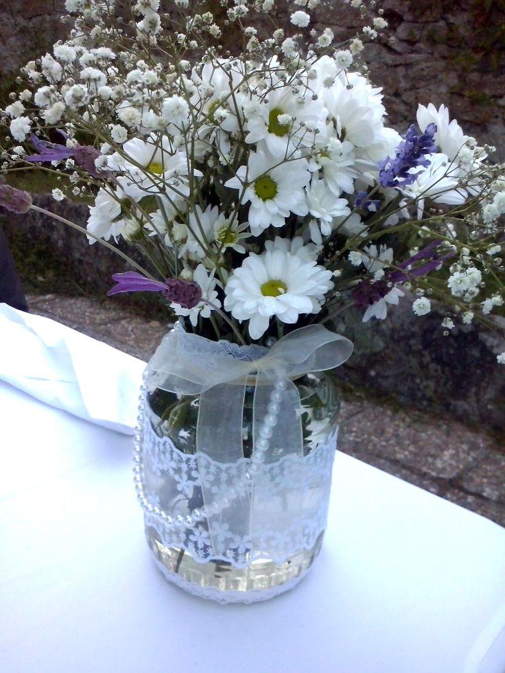 Frasco decorado con puntillas encajes cinta de seda y perlas para la mesa de la novia - Fabrica de floreros de vidrio ...