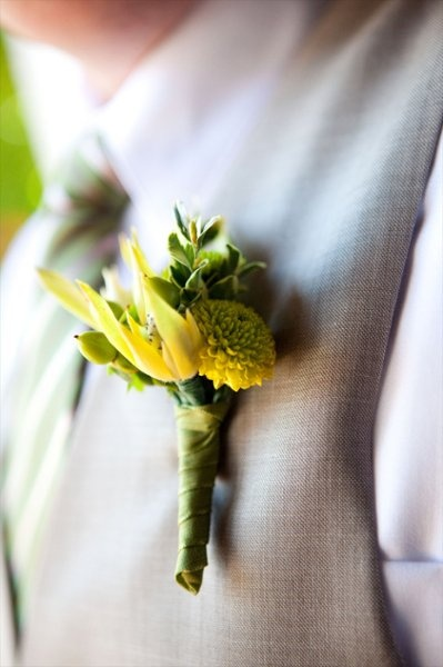Aimee Lomeli Designs button mums and leucodendron #theflowergirl