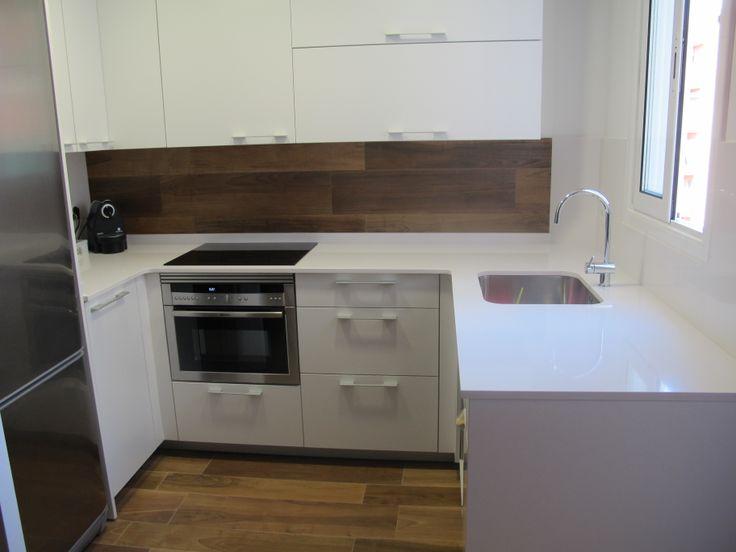 Cocina peque a abierta al comedor cocinas pinterest for Remodelacion de cocinas pequenas