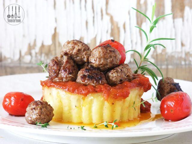 Yemek de Yemek: Patates Püreli, Domates Soslu Misket Köfte