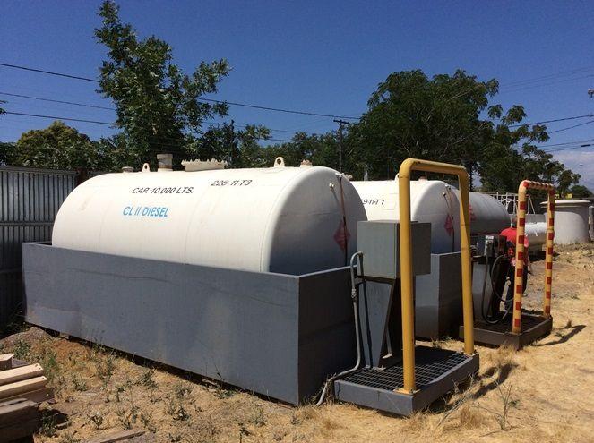Estanque para combustible con contenedor de derrame - Estanques de plastico ...