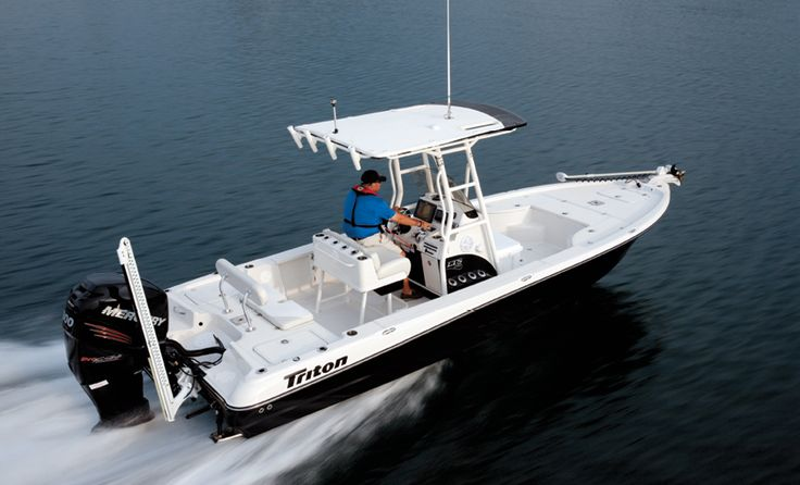 Bay boats borrow their performance and style attributes from a wide range of sport fishing platforms.