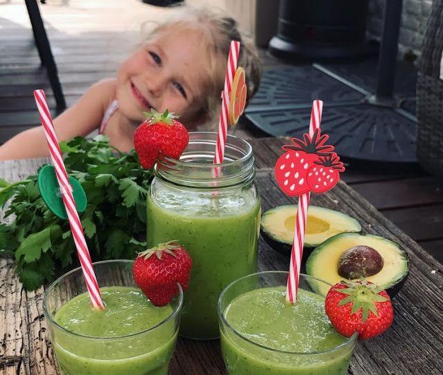 Do walki z anemią zielony koktajl pietruszkowy,  łatwy w wykonaniu nawet dla dzieci