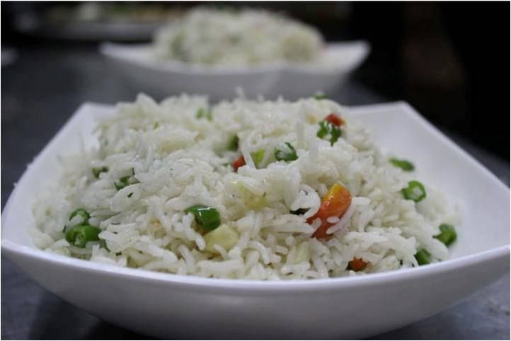 Have a gravy along or with sauces or plain ‪#‎Friedrice‬ at ‪#‎Thelounge‬ at ‪#‎HotelMidtownPritam‬
