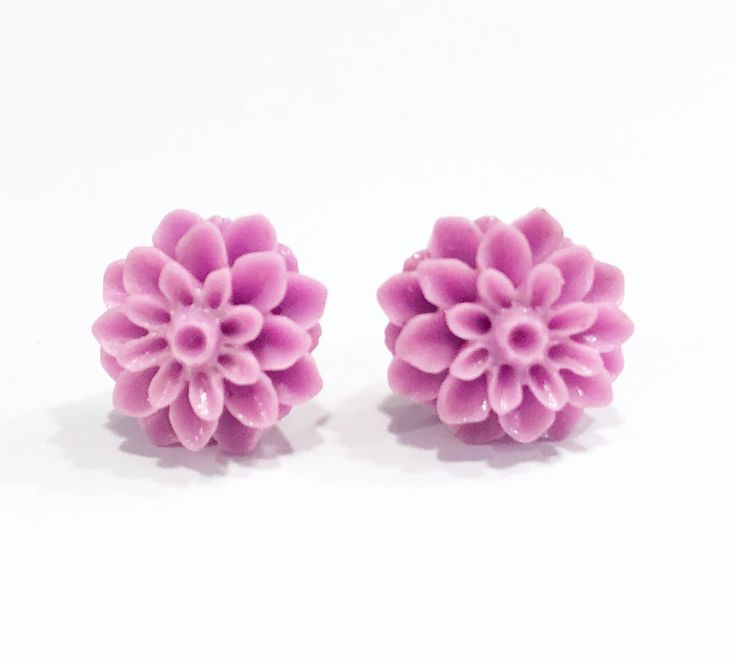 Purple Flower Stud Earrings, Resin Earrings, Mum Earrings, Flower Studs, 16mm Studs, Floral Jewelry, Summer Jewelry, Summer Earrings by MissyRoseStudios on Etsy https://www.etsy.com/listing/525109674/purple-flower-stud-earrings-resin