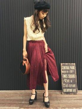 清水夏姫さんのスカート「サテンプリーツスリットスカート(OZOC|オゾック)」を使ったコーディネート