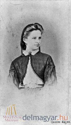 Akár egy filmsztár... Landau Alajos örökítette meg csodaszép modelljét az 1860-as évek végén.