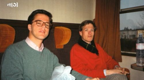 OMG ITS A YOUNG MARK RUTTE FAINTS AND FLAILS ON THE FLOOR (credits to…