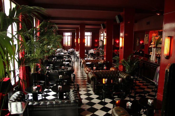 Le China (Ledru Rollin / Bastille) Bar à cocktail cosy et calme, carte originale à ambiance asiatique (no kidding) Happy hour de 17h à 21h : 7€ le cocktail