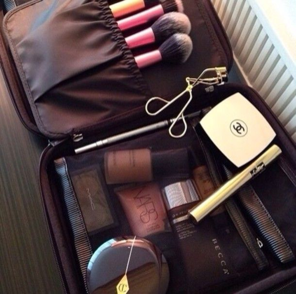 Bag: make-up, brushes, pink, girly, travelling, beauty, beauty bag ...