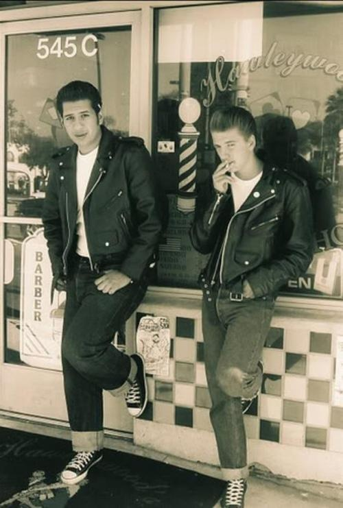 motorcycle jackets & slicked back hairFashion, 50 Style, Black Hair, Motorcycles Jackets, Barbers Shops, Leather Shoes, 1950 S, 1950S Greaser, Greaser Boys