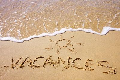Dessin dans le sable sur la #plage #vacances