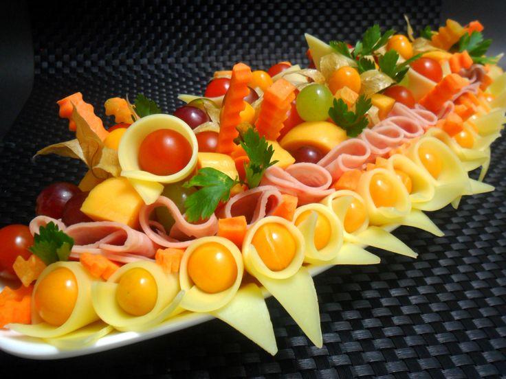 Nuestras tablas de quesos logran el equilibrio perfecto entre nutrición, exquisitez y estética.