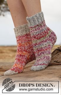 "Cocoon - Knitted DROPS socks in 2 strands ""Fabel"".  - Free pattern by DROPS Design"