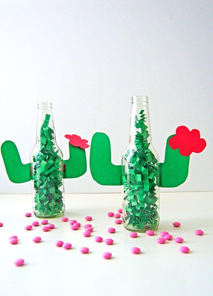 A pensar: ¿se puede hacer con frascos en lugar de botellas? Habría que cambiar el motivo (no personita) ¿cuál otro puede ser? Pro: divertido para la mesa de los chicos.