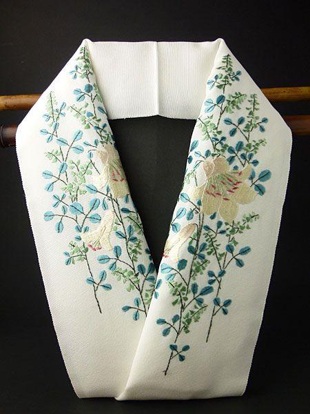 百合 手刺繍半襟 丹後産 正絹塩瀬400匁 日本の絹 手刺繍半衿